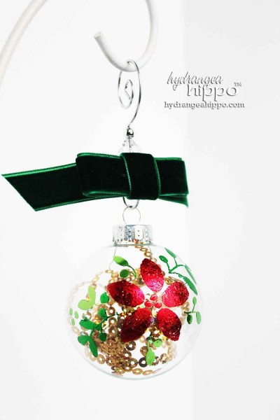 Design-Adhesives-Scented-Poinsettia-Ornament-Jennifer-Priest-Clearsnap-Christmas