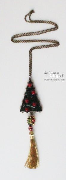 Christmas-Tree-by-Jennifer-Priest-featuring-ICE-Resin-Detail-1WM