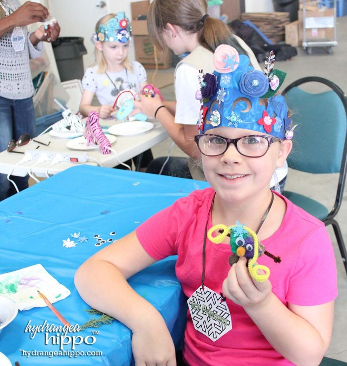 Girl-Scouts-FROZEN-Event-JULY-2014-crowns-3