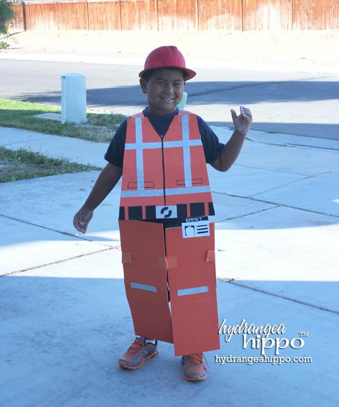 DIY Emmet Costume by Jennifer Priest LEGO Movie 3