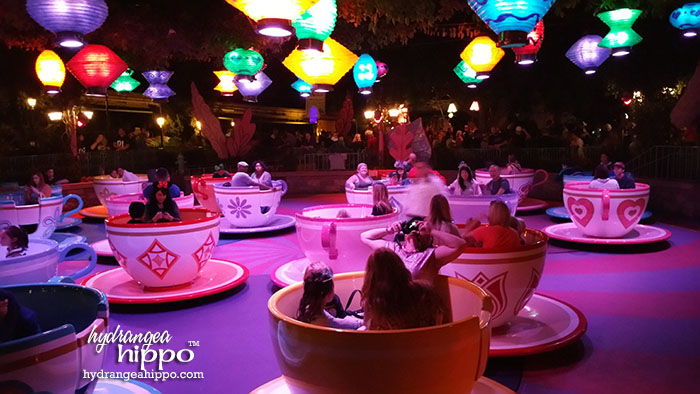 2014-12 2015 Disneyland Guide Review by Hydrangea Hippo - Mad Tea Party Ride