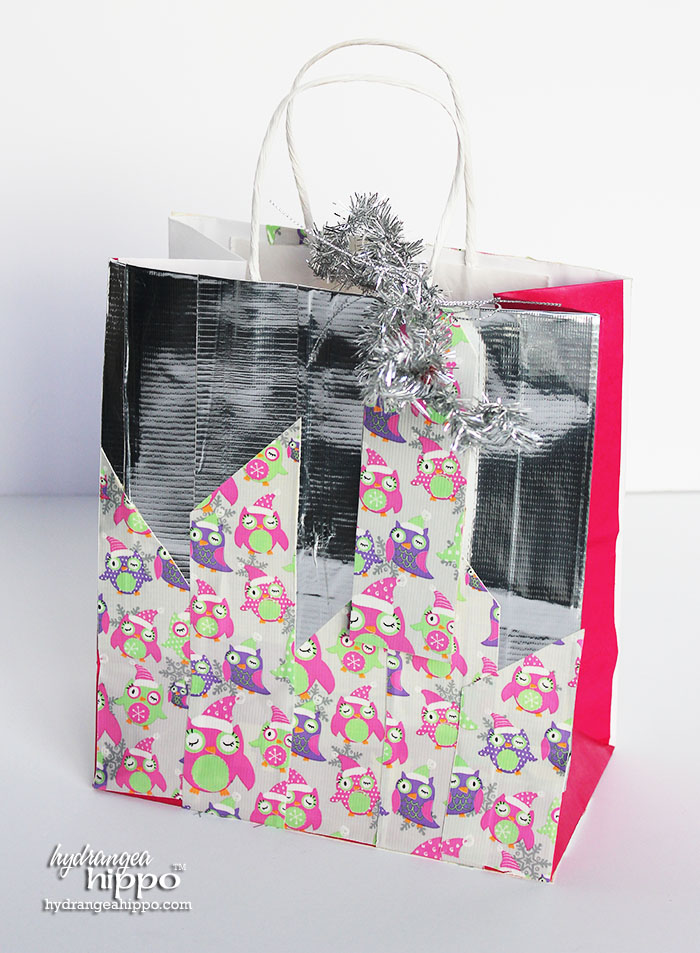 2014-12 Duck Tape Gift Bag with Christmas Tree by Jennifer Priest of hydrangeahippo 7