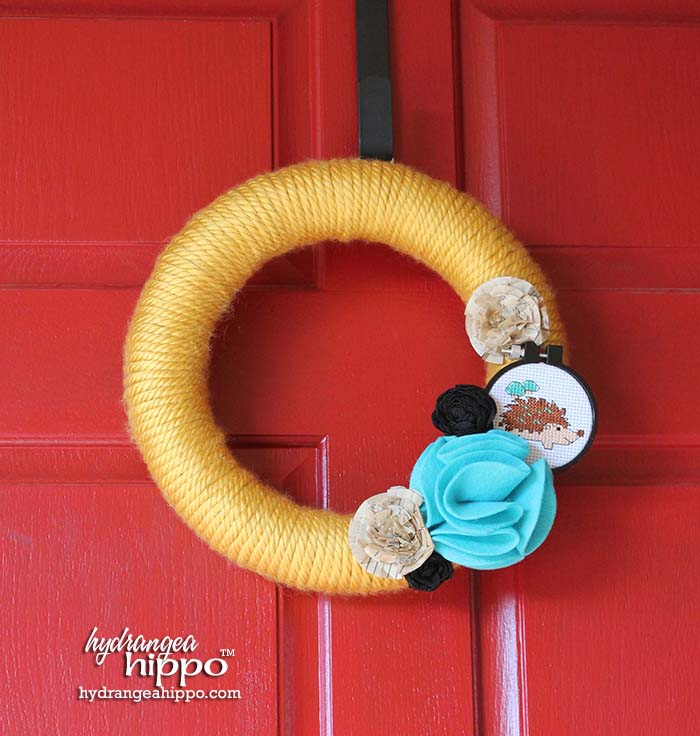 Make this sewing themed wreath - wrapped with Bernat yarn by Jennifer Priest