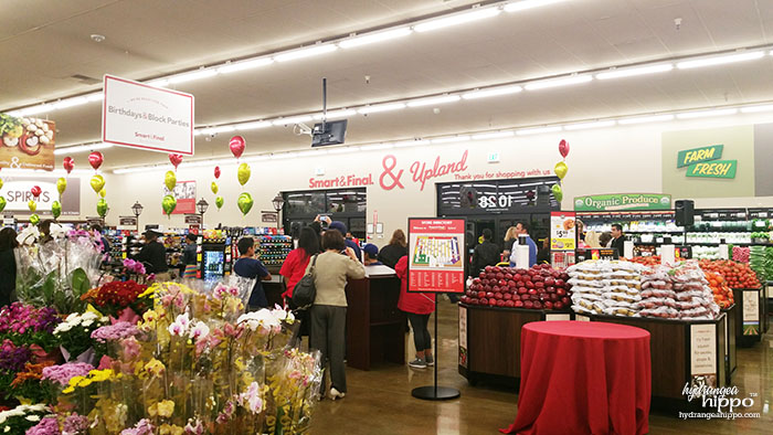 The Smart & Final in Upland, CA has a welcome feel - I love the sign at the front of the store!